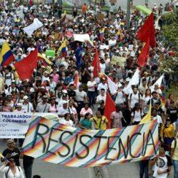 Los dos jóvenes - 57 aniversario de las FARC